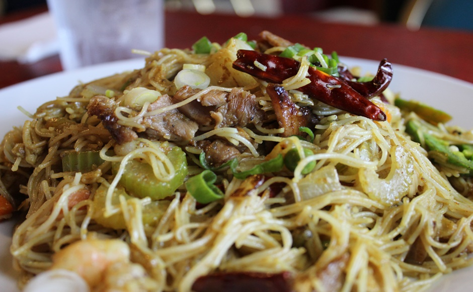 Singapore Noodles with Chicken and Prawns